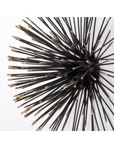 Escultura en Metal Negro y Dorado, detalle frontal