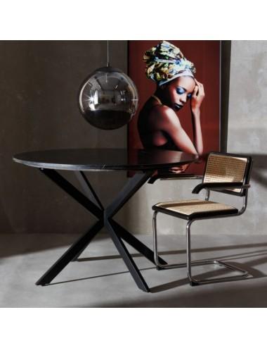 Silla en Madera y Metal con brazos  color Negro, foto Ambiente
