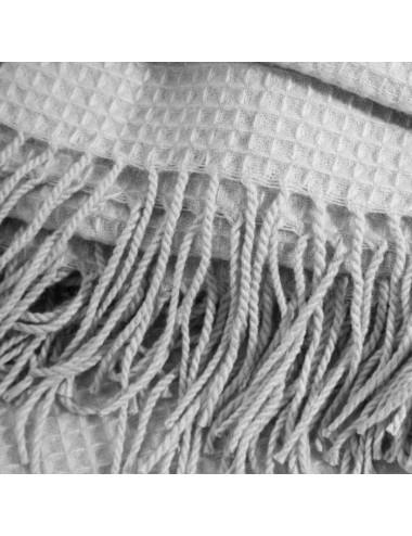 Manta Nido de Abeja color Gris Claro con Flecos, detalle Flecos